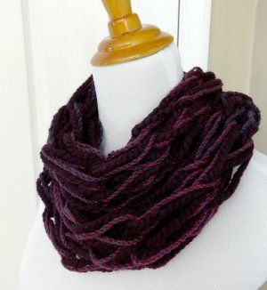 This free arm knitting pattern is perfect for creating a simple scarf.  Make yours in one evening or less!