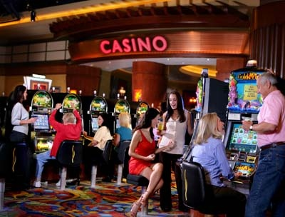 Is rivers casino chicago open 24 hours
