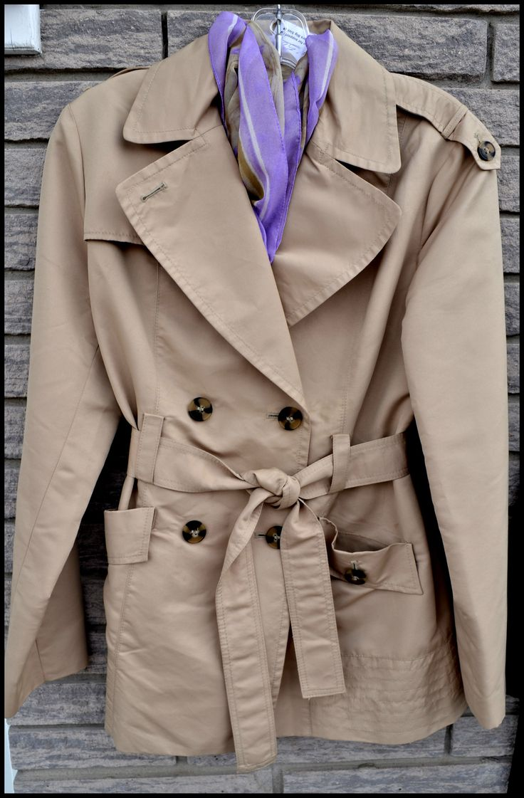 WOW size medium Jacob spring coat. Would look great with any color of