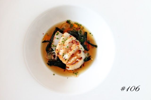 Delicious Tapas: Scallop in dashi with wakame and chili oil #106