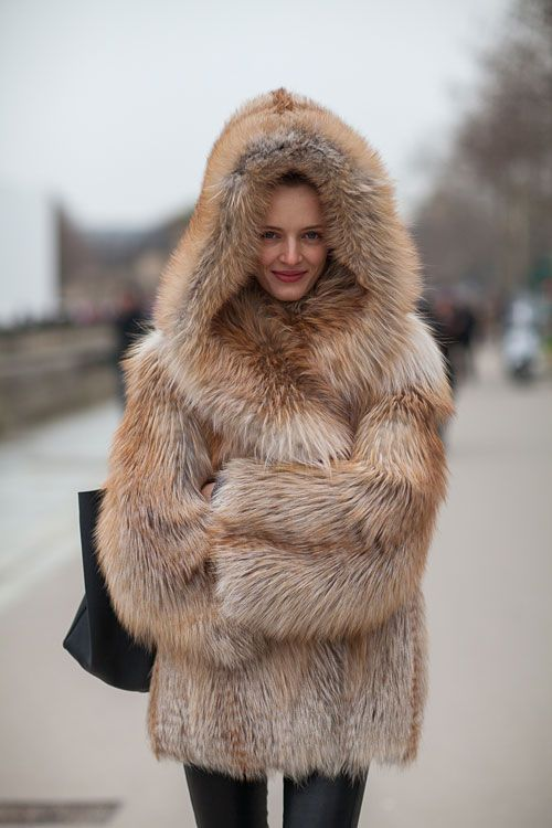 STREET STYLE FALL 2013: PARIS FASHION WEEK  This would make my life!