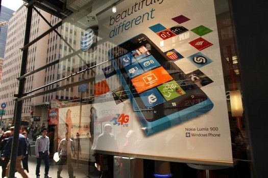 Windows phones dying in wake of iPhone 5 release date http://www.examiner.com/article/windows-phones-dying-wake-of-iphone-5-release-date