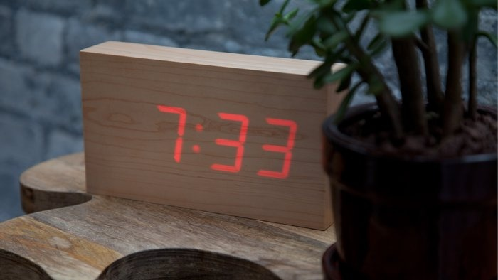 wooden LED clock - oh so minimalist!