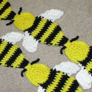 Crochet Patterns Baby Bee Yarn : PATTERN FOR CROCHETED BEE CROCHET