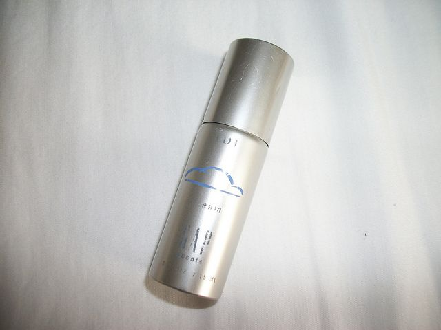 I had this little silver bottle! Gap Dream Perfume from the 90s