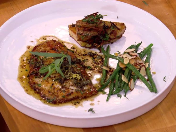 Potatoes Lyonnaise Recipe : Bobby Flay : Food Network - FoodNetwork ...