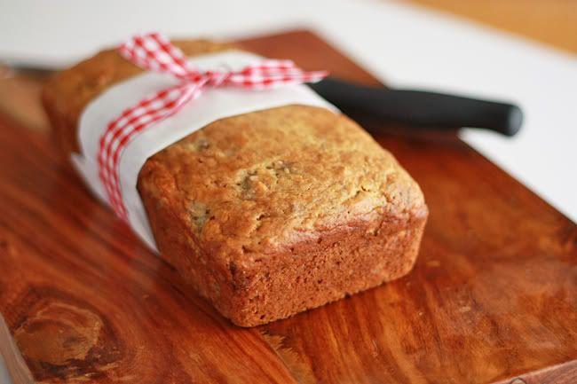 Super moist banana bread, two ways: vanilla-almond and cinnamon-nut ...