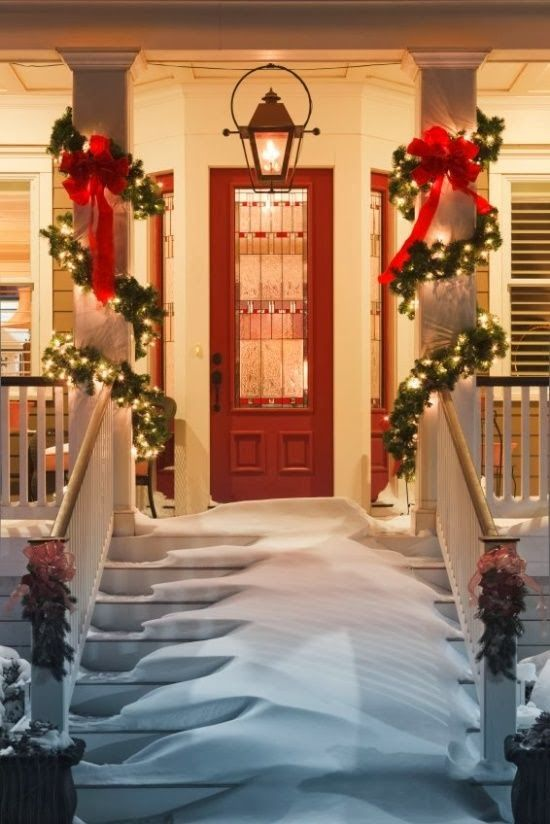 A Christmas Porch Decorating Idea!!!! Beautiful!!!!