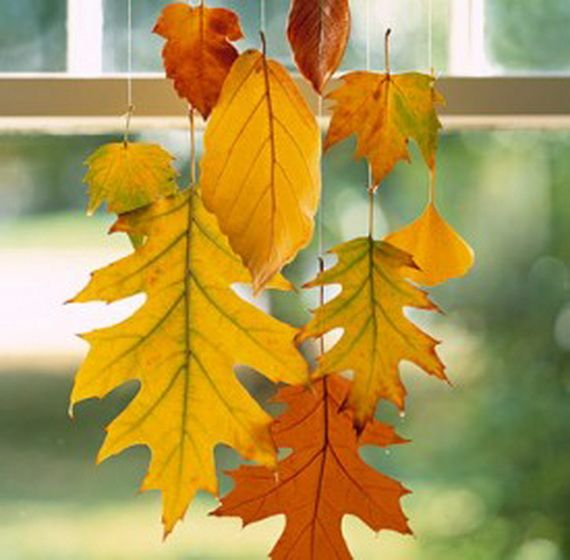 Fall Decor Crafts-Easy Fall Leaf Art Projects http://www.familyholiday.net/fall-decor-crafts-easy-fall-leaf-art-projects