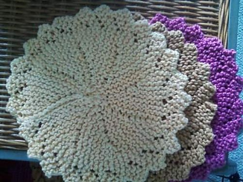Round Knitted Dishcloth Patterns : Pin by Susan Peterson-Parsons on Knitting Ideas! Pinterest