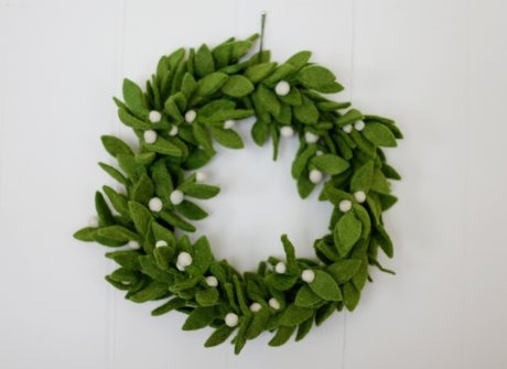 Can I make this felt Mistletoe Wreath?