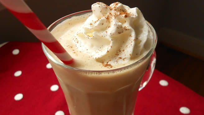 Candy Cane hot cocoa recipe   Christmas for Busy Moms   Pinterest
