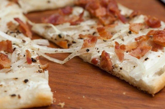Pizza 1. Pizza Crust. 2. Sliced Onions. 3. Bacon. 4. Sour Cream ...
