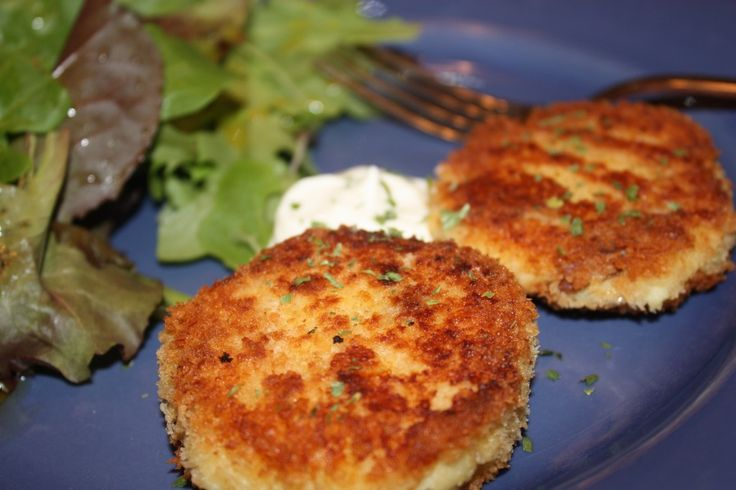 Leftover mashed potato cakes, so good they are sitting on the table ...