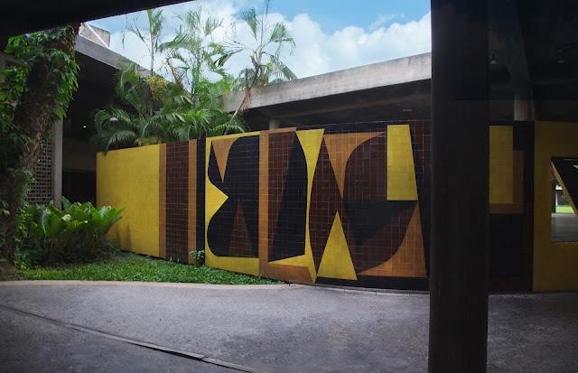Patio de Luz, mural Homenaje a Malevitch de Victor Vasarely 1954. UCV. Caracas, Venezuela.