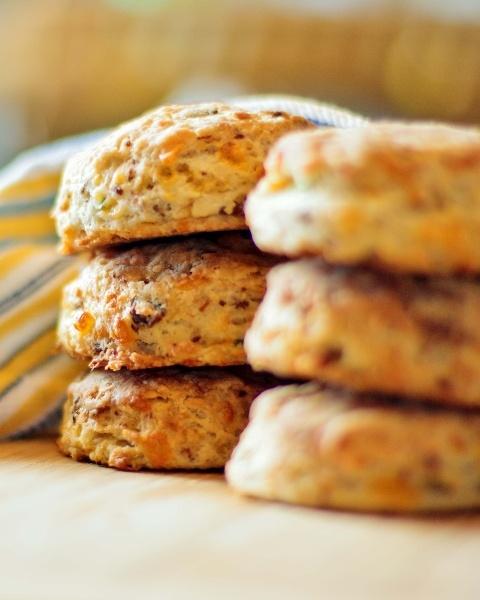 Bacon and Cheddar Cheese Biscuits | FOOOOOOODDDDDDD | Pinterest