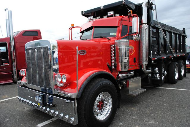14039 Truck Optimus Prime furthermore Who Won Custom Truck Contest These Folks also 1998 Peterbilt 379 likewise Watch also 5419941115. on custom peterbilt dump trucks