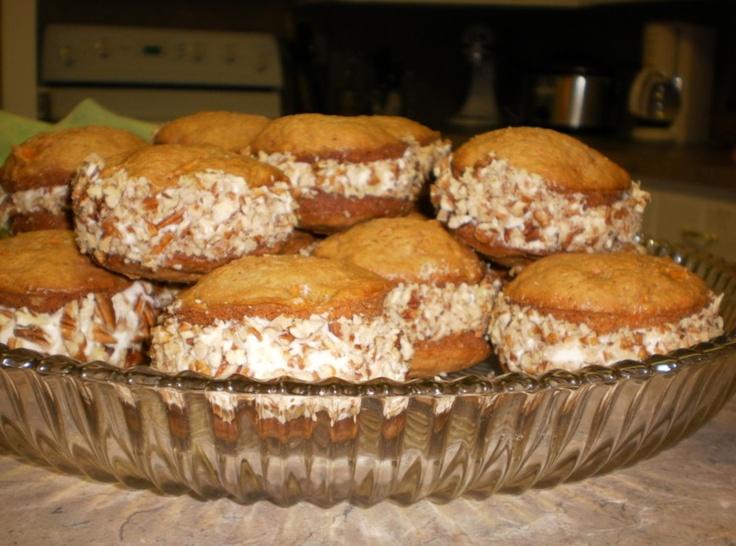 Carrot Cake Whoopie Pies | Whoopie | Pinterest