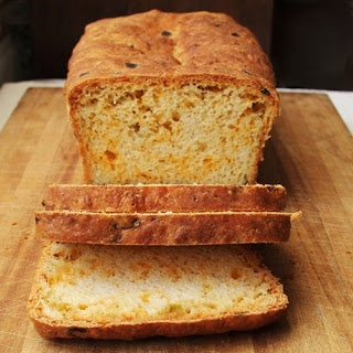 Cheddar and Chiles Bread (Kneadlessly Simple)