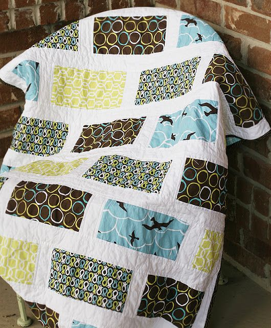 Four colors and white background. Good pattern for when you need a quilt in a hu