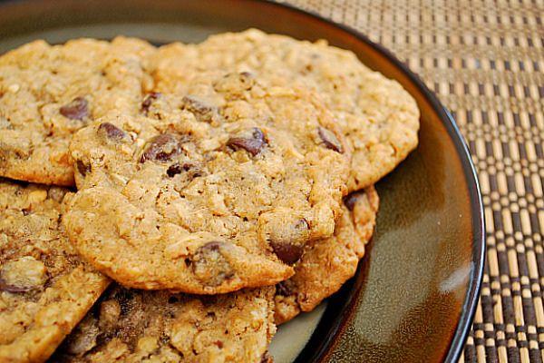 Peanut Butter Oatmeal Chocolate Chipsters by ItsJoelen, via Flickr