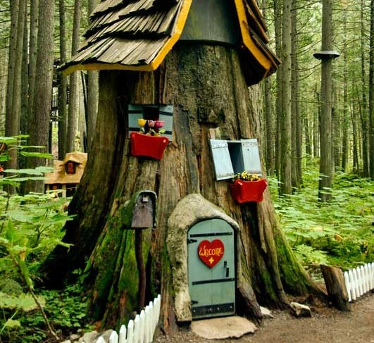 Tree stump decorations outside life pinterest - Tree stump decorating ideas ...