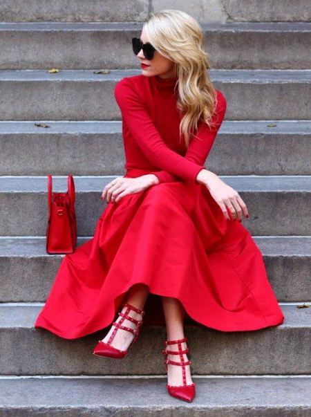 Go all red! Red shoes, red dress, red bag!   #ValentinesDay