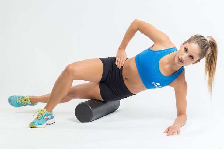 The fittest blogger | Women on foam roller