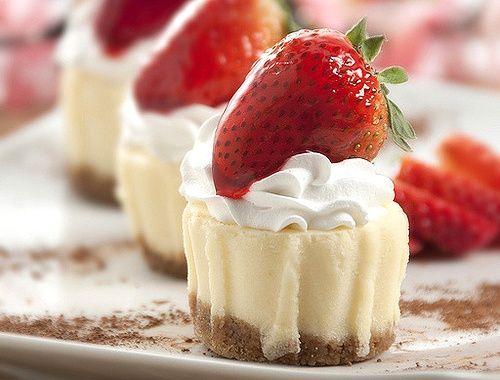 mini strawberry cheesecakes! | Favorite Recipes | Pinterest