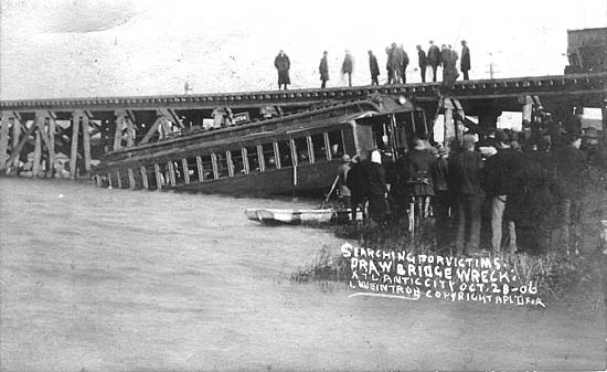 searching for victims draw bridge wreck atlantic city oct 28 1906