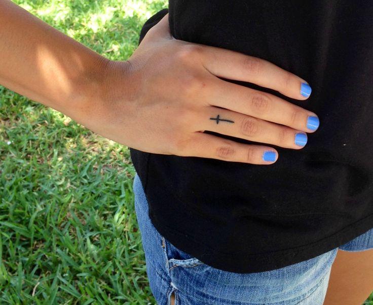 Ceker Small Cross Tattoo On Finger