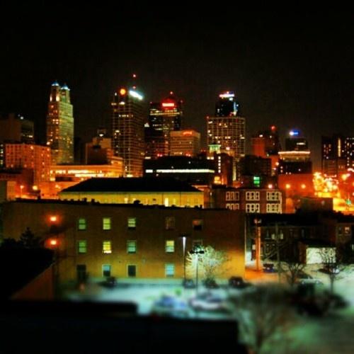 Kansas City Downtown at Night (www.truechinita.tumblr.com)
