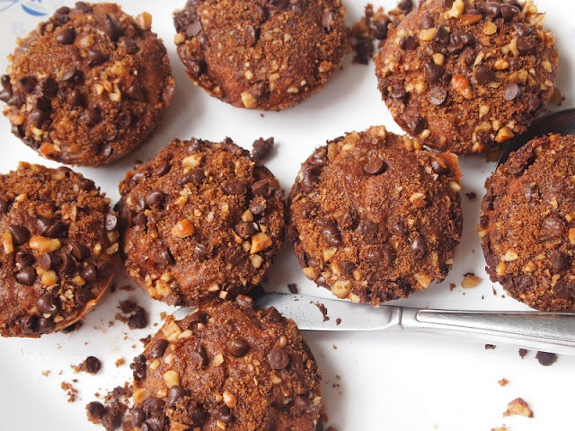 Gluten-Free Banana Muffins with Chocolate Walnut Streusel♥♥