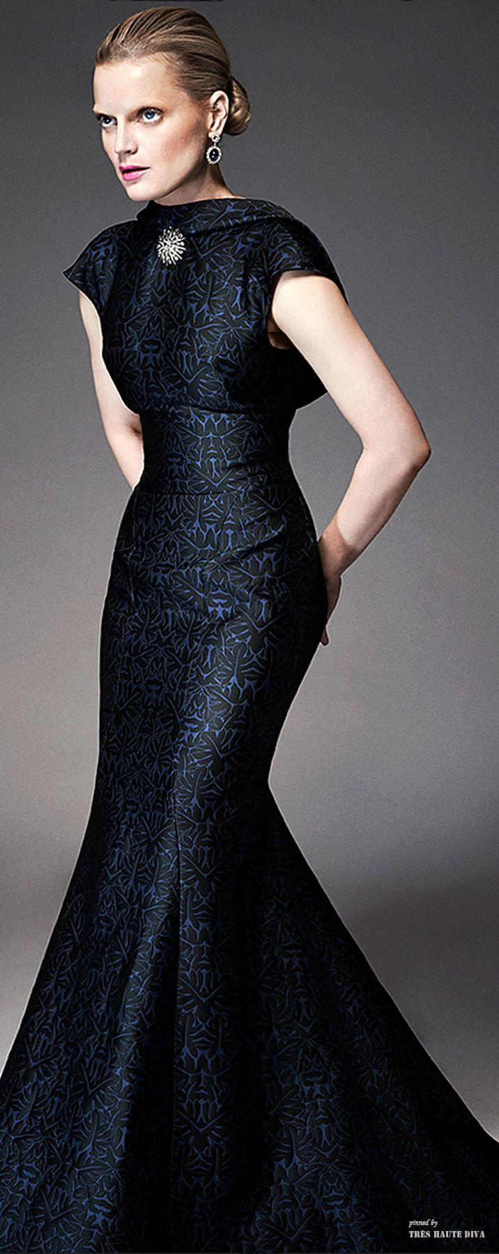 I love this look.  It's so stately and elegant.  Zac Posen Resort 2015 via @TresHaute. #ZacPosen #Resort2015