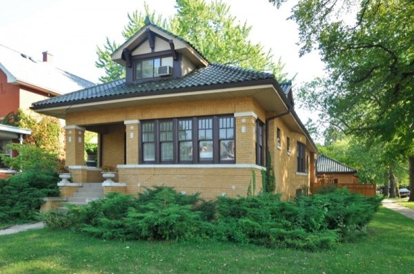 Classic chicago bungalow chicago bungalows pinterest for Classic chicago house