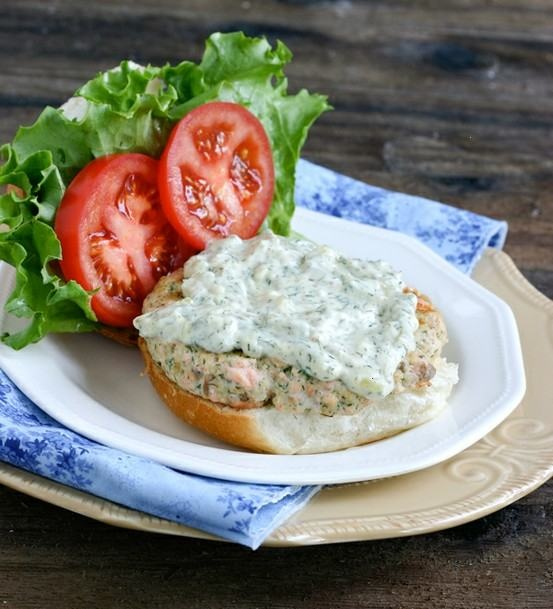 Salmon burgers with dill tartar sauce | yummy | Pinterest