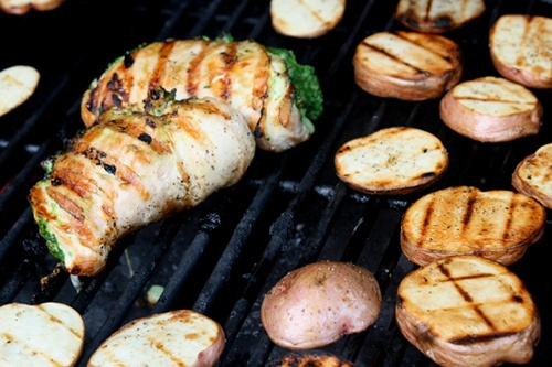 Recipe: Grilled pesto stuffed chicken and grilled red potatoes ...