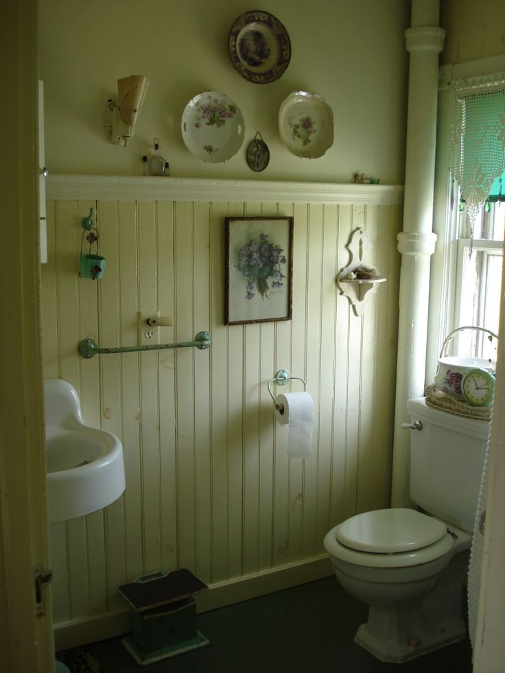 Old farmhouse bathrooms 28 images denise on a whim for Old farmhouse bathroom ideas