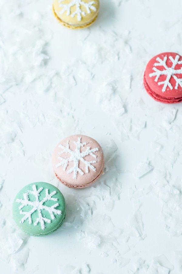 Snowflake Stenciled Macarons. Easy!! | Winter ♥ | Pinterest