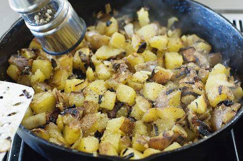Basic Breakfast Potatoes by Ree Drummond / The Pioneer Woman, via ...