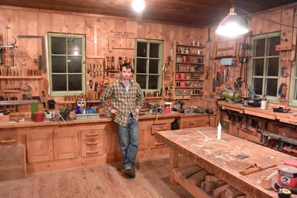 Cool garage door ideas - Amazing Wood Shop Woodworking Pinterest