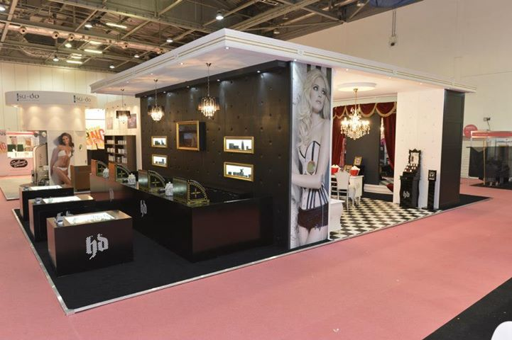 hd brows retail stand - Google Search | salon ideas and inspiration ...
