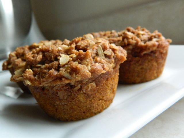 Whole Grain Pumpkin Pie Oatmeal Muffins with applesauce instead of oil ...