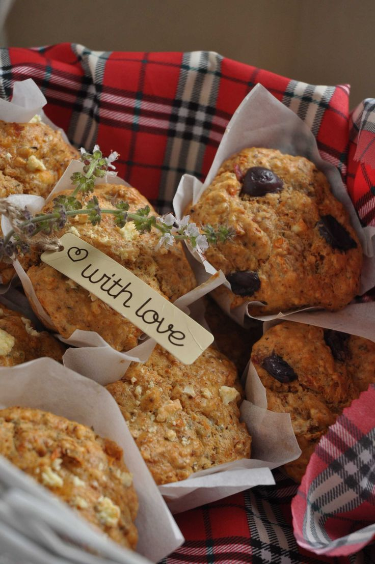 Feta, olive and sun dried tomato muffins for my care basket!http://www ...