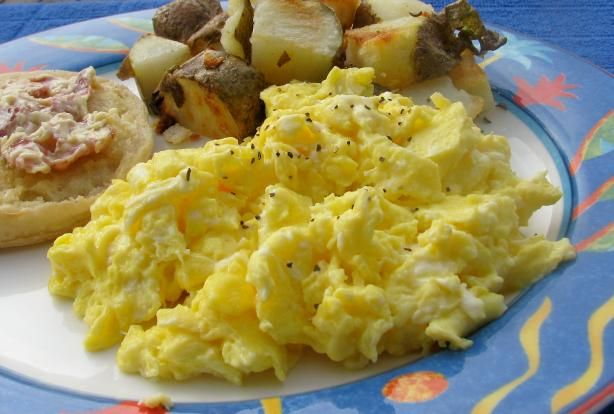 Scrambled Eggs Hotel Style... Very Simple. Photo by lazyme