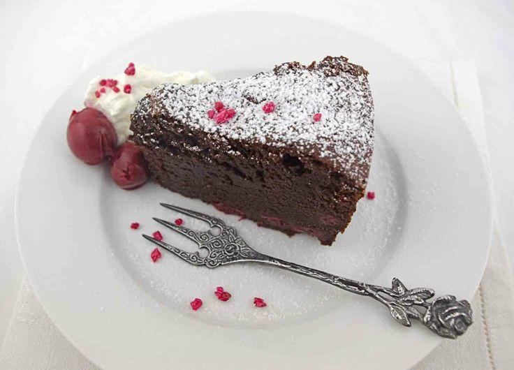 Chocolate cherry pound cake | Let Them Eat Cake! | Pinterest