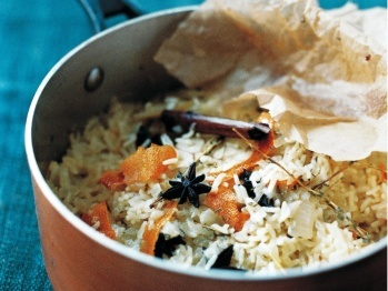 Herby Rice Pilaf with Pistachios and Almonds | Recipe