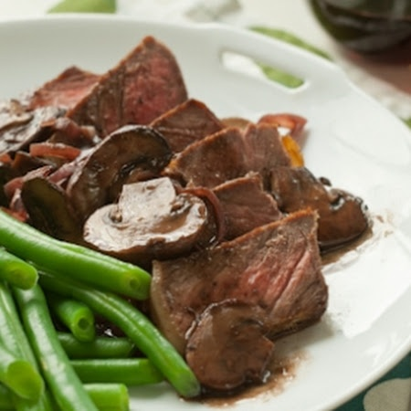 Steak With Red Wine Mushrooms Recipe — Dishmaps