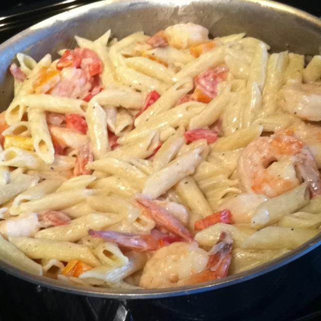 Peppered shrimp alfredo | Delicious things. | Pinterest