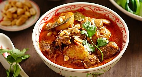 Beef Massaman Curry - ramp up your dinner plate with this hearty ...